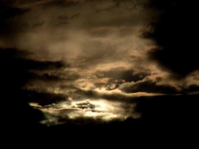 暗雲01.jpg